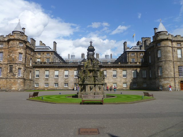 holyrood palace review